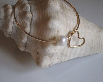 Heart Charm Hammered Bangle with White Freshwater Pearl