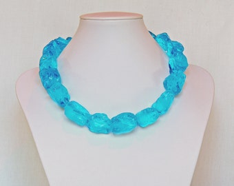 Glass choker necklace