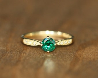 Diamond and Emerald Solitaire Ring in 10k Yellow Gold Emerald Engagement Ring May Birthstone Ring Green Gemstone Ring, Size 6.5 (Resizable)