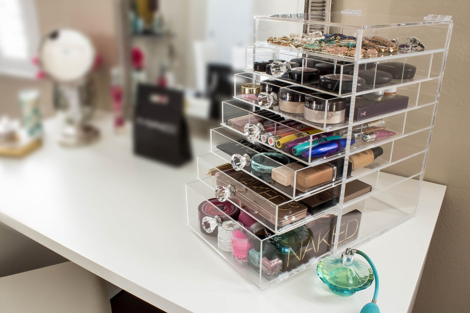 clear acrylic makeup organizer deluxe w diamond handle. Black Bedroom Furniture Sets. Home Design Ideas