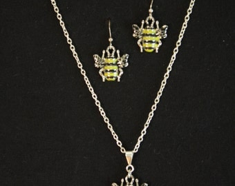 Bumblebee Silver Necklace and Earrings Set