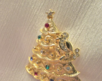 A Vintage Partridge in a Pear Tree Christmas Tree Pin / Brooch