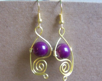 Handmade gold colored wire dangle earrings