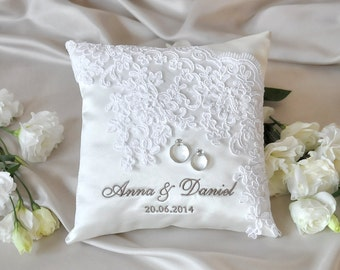 Lace Wedding Pillow, Vinateg  Ring Bearer Pillow,  White ring pillow, Classic ring pillow , 4lovepolkadots,