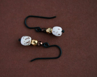 small earrings with salwag nuts and glass beads - everyday jewelry - drop earrings