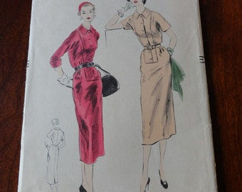 Vintage 50s Vogue 7922 Slim skirt Dress pattern size 16 B34