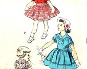 1950's Very Cute Dress with Scalloped Collar and Tie at Back Size 6