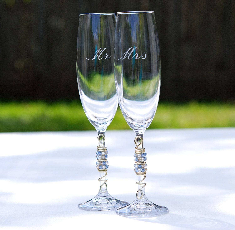 engraved toasting flutes beaded champagne flute mr mrs. Black Bedroom Furniture Sets. Home Design Ideas