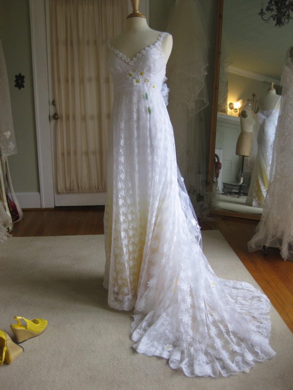 Yellow Daisy Lace Wedding Dress With Train Boho Wedding