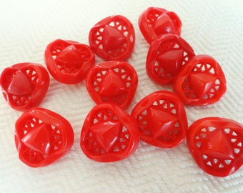 Cherry Red Vintage Buttons - 6 in Your Choice of 3/4 or 7/8 inch 19mm or 22mm for Jewelry Supplies Beads Sewing Knitting