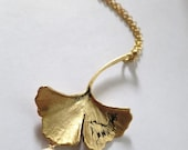 Ginkgo Necklace Gold, Flower Pearl Leaf Necklace, Antiqued Ginkgo Leaf chain Necklace, Botanical Necklace Natural Woodland Jewelry Etsy Gift