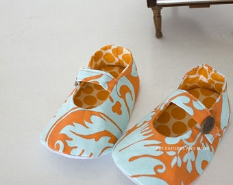 no 68 Cassie Baby Mary Janes PDF Pattern(0-18 months) Reversible