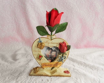 VALENTINE HEART FRAME Picture Photo Red Rose Bud Vase Flower Holder Ribbon Key Lock Book Love Letter Photograph Vanity Dresser Stamp Display