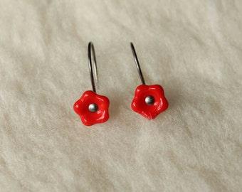 Hypoallergenic Earrings - Red Orange Flower Drops - Niobium Earrings for Sensitive Ears / Nickel Free