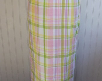 Weekend Sale 34% off 1970s Long Skirt, Plaid, Pastels, Line, Size Small, #19594