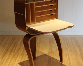 Camille Free Standing Desk