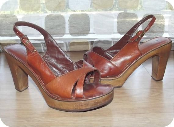 Vintage 70s Sexy Wood Heel Platform Shoes Sandals Pumps 7 Bare