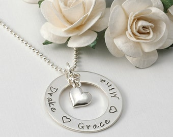 Mothers day gift, Eternity Circle, Mommy necklace with heart - personalized