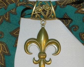 Scarf Pendant, Fleur-de-Lis, Antique Bronze Pendant, Scarf Jewelry, Scarf Charm, Scarf Accessory