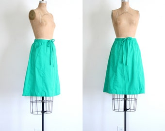 SALE    80s preppy wrap skirt - kelly green / Summer Prep - vintage 1980s / A line