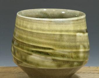 Green Yellow Stoneware Teabowl  Yunome (YCP462)