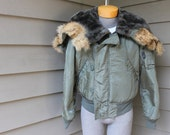vintage c. 1969 Vietnam War era USAF N-2B Heavy Flying jacket. Nylon Satin - Fur lined hood - Insulated. Medium
