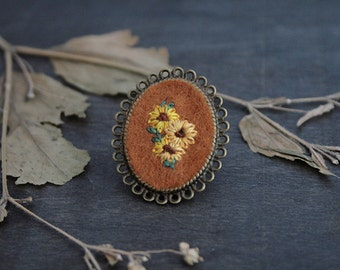Hand Embroidered Sun Flower Brooch - Floral Brooch - Antique Bronze Brooch - Brooch Pin - Flower Brooch - Hand Embroidery - Vintage Inspired