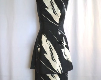 SALE! Vintage Mod Abstract dress petite