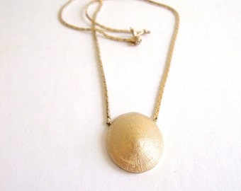 Trifari Shell Necklace : Gold Bit vintage gold toneTrifari sea shell nautical necklace choker