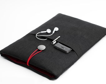 Black Macbook Pro 13 inch sleeve, Macbook Air 13 inch sleeve, iPad Pro sleeve, with a pocket