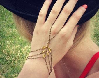 leaf slave bracelet, leaf hand chain, bracelet ring, slave ring, flower ring, boho bracelet, ring bracelet