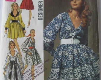 60s Maxi or Above Knee Shirtdress with Collar and Full Skirt with Sleeve Variations Pattern Simplicity 8268. Size 8 Bust 31.5 in.