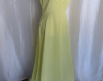 Vintage womens yellow maxi dress gown sleeveless 70s size L Summer bridesmaid prom