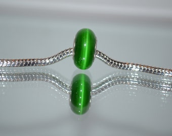 EB-351   European Dark Green Cat Eye Glass Bead