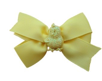 Light yellow chick hair bow - Easter bow, toddler bows, girls hair bows, yellow hair bows, easter hair bow
