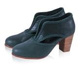 SALE. Sz. 6.5. SPIRIT WALKER. Leather booties  / women shoes / women booties / vintage booties / green.