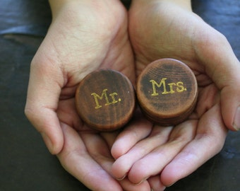Ring bearer box set. Tiny round wedding ring boxes, ring warming. Pair of pine ring boxes with Mr and Mrs design in gold.