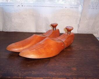 Vintage wood shoe trees Florsneim wood shoe stretchers size 10-2