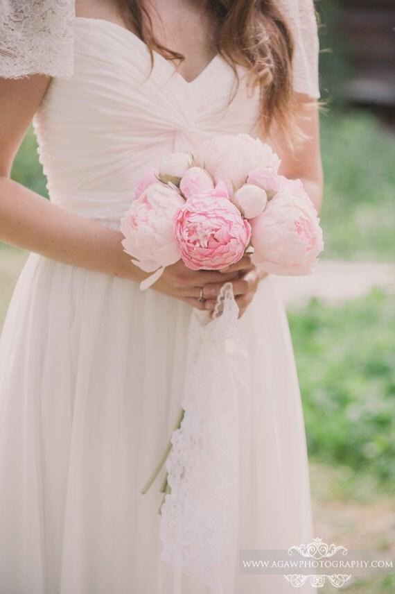 Wedding bouquet, bride bouquet, bridal bouquet, bridesmaids bouquet, paper flower bouquet, wedding flowers, wedding peonies, peonies bouquet, pink peonies, paper flowers, ivory peonies, pink peonies bouquet, dark ivory peonies, light pink peonies, wedding decor , crepe paper flowers