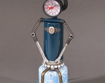 ROBOT SCULPTURE - Metal art robot Metal art sculpture - THELBA