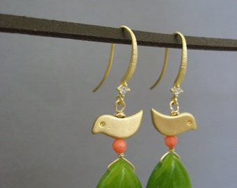 SALE - Bird Earrings, Gold earring, Green Jade earrings, Gifr for her, sister, children, Dangle earring, bird jewelry