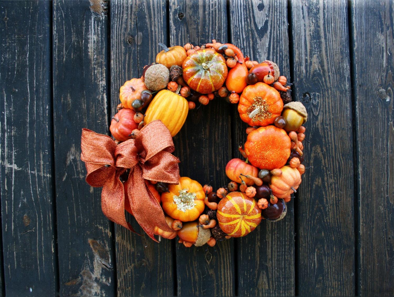 thanksgiving wreath pumpkin and acorn wreath