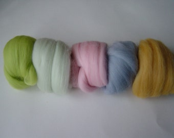 5 x Lovely soft and fine Merino felting wool.