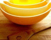 Vintage 60's/70's Pyrex Set of 4 Nested Mixing Bowls Sunflower/Daisy Orange & Yellow