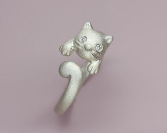 Diamonds eyed Cat Ring in Sterling Silver, Kitty Ring in sterling silver with diamonds, Adjustable cat ring, Fine jewelry gift for Her