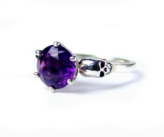 Skull Wedding Ring Silver Gothic Engagement Amethyst Skull Ring Goth Jewel Ring Purple Gemstone Ring Memento Mori Pisces Birthstone Ring