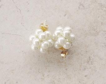 Ivory Pearl Earrings, Pearl Studs, Cluster Pearl Earrings, Cluster Stud Earrings, Cluster Earrings, Pearl Earrings, Bridesmaid Jewelry