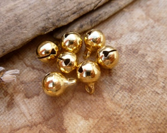 10x Golden Bell Round Brass Bell Charms Findings, Antique Brass Pendants P70