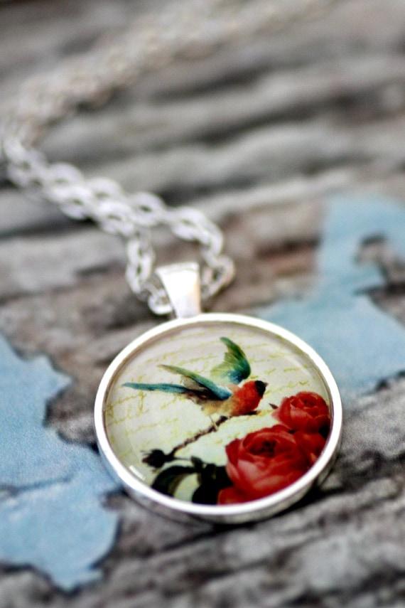 FREE SHIPPING Shabby Chic Bird Necklace - Silver Bird Jewellery - Retro Necklace