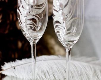 Boho Personalized Wedding Glasses, Feather Champagne Glasses, Bohemian Wedding Toasting Glasses, Boho Decor Wedding Gift  G22/11/12-0001